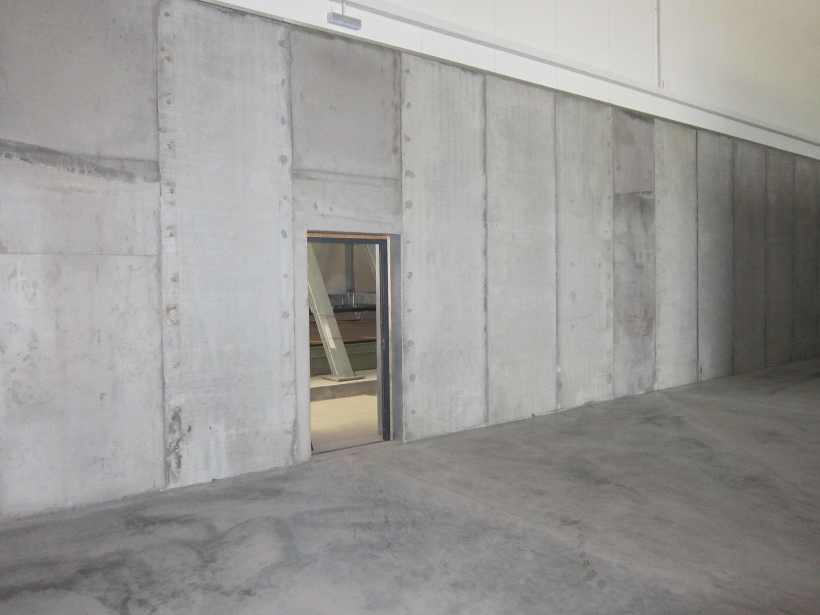 Concrete Push Wall Design : Prestressed retaining wall panel accessories poundfield